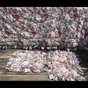 Croscill comforter with 2 shams size queen